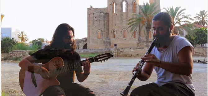 Koray Avcı, Mağusa'nın limanında Kıbrıslı için söyledi!