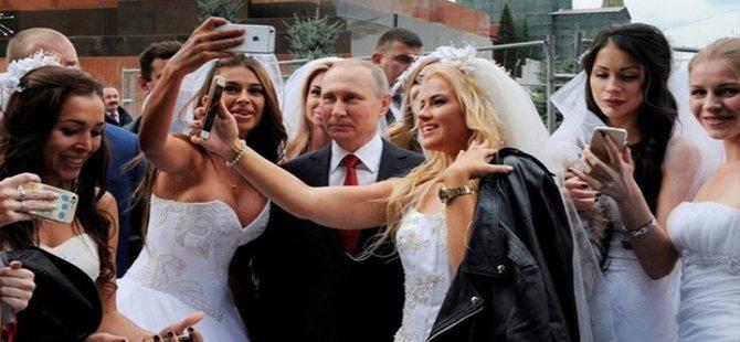Putin, Moskova'daki 'Şehir Günü'ne katıldı