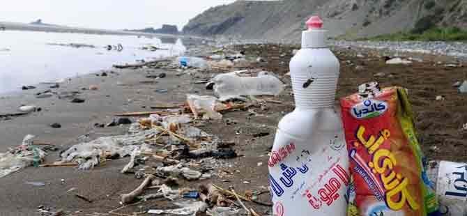 Dünyanın en uzun kumsalı çöplüğe döndü!