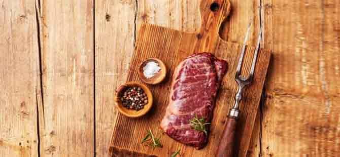 İyi pişirilmemiş et hastalık bulaştırıyor!