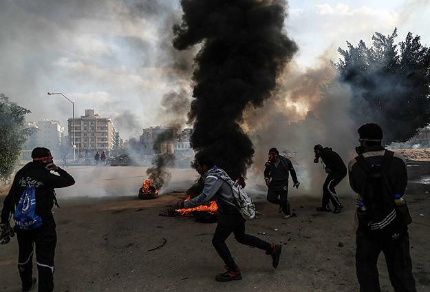 Darbe karşıtı cuma gösterilerinde 3 kişi öldü