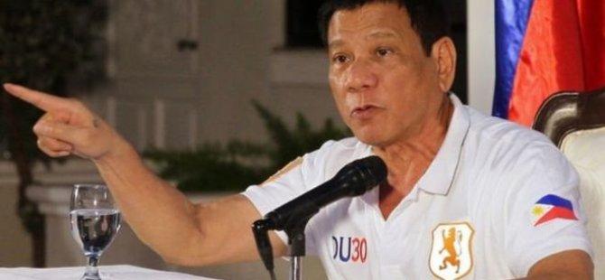 Filipinler Cumhurbaşkanı 'Uzi'yle cinayet işledi' iddiası