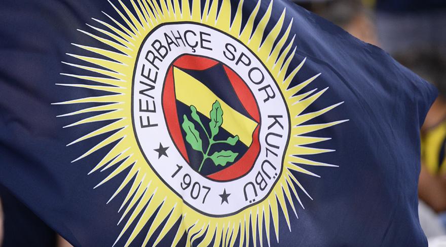 Fenerbahçeli taraftar sahaya okunmuş buğday attı! (video)