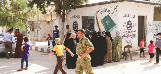 Cerablus'ta ilk bakkal dükkanı açıldı; alışveriş Türk lirasıyla