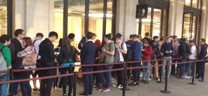 iPhone 7 için sıraya girdiler!
