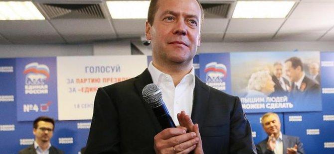 Seçimin galibi Putin'in desteklediği Birleşik Rusya