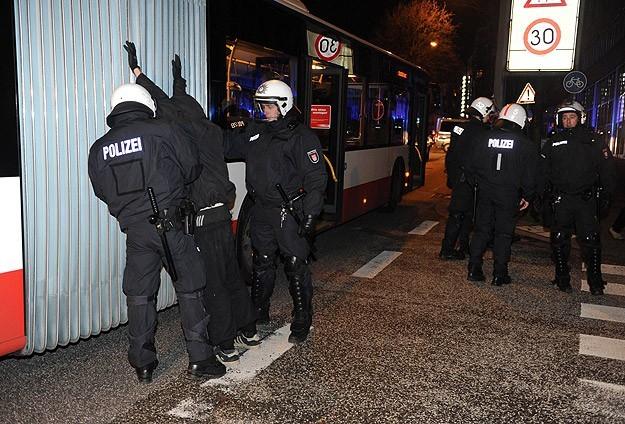Hamburg'da ''tehlikeli bölge'' uygulaması kaldırıldı