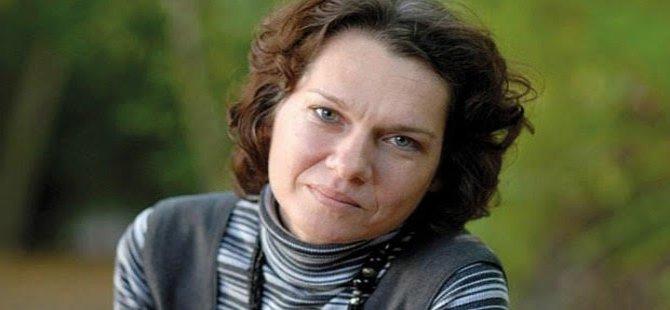 Tutuklu yazar Aslı Erdoğan'a Tucholsky Ödülü