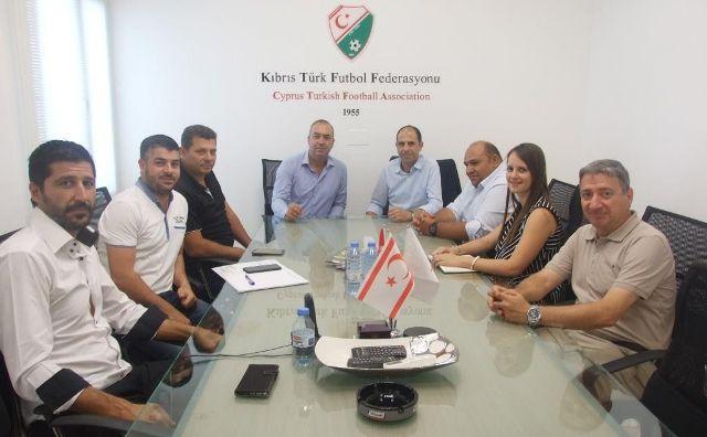 Halkın Partisi'nden KTFF'na Nezaket Ziyareti