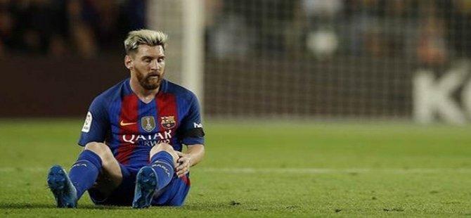 5 haftada 7 gol atan Messi'ye nazar değdi
