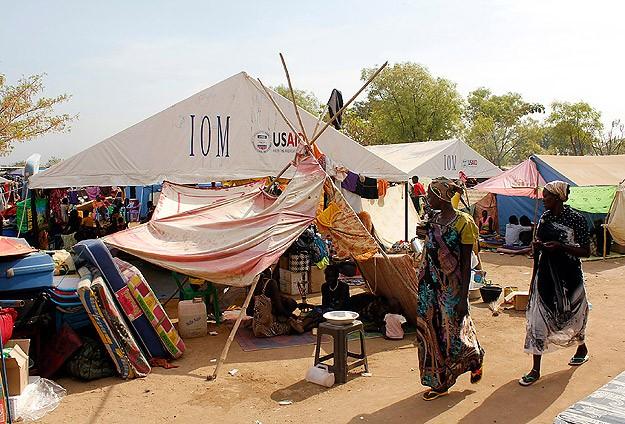 Güney Sudanlılar için yeni kamplar kurmaya çalışıyoruz