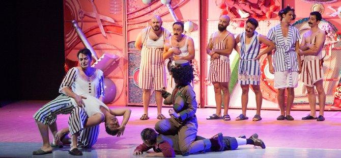 4. Kıbrıs Tiyatro Festivali sürüyor