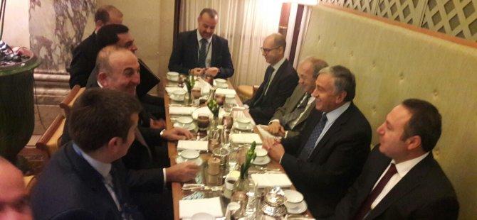 Cumhurbaşkanı Akıncı TC Dışişleri Bakanı Çavuşoğlu ile  kahvaltı yaptı