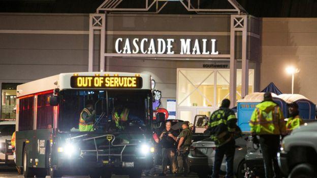 ABD'de AVM'de saldırı: 4 kadın öldü