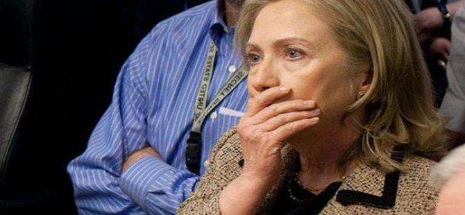 Hillary Clinton, Moskova'da gizli belge unutmuş!