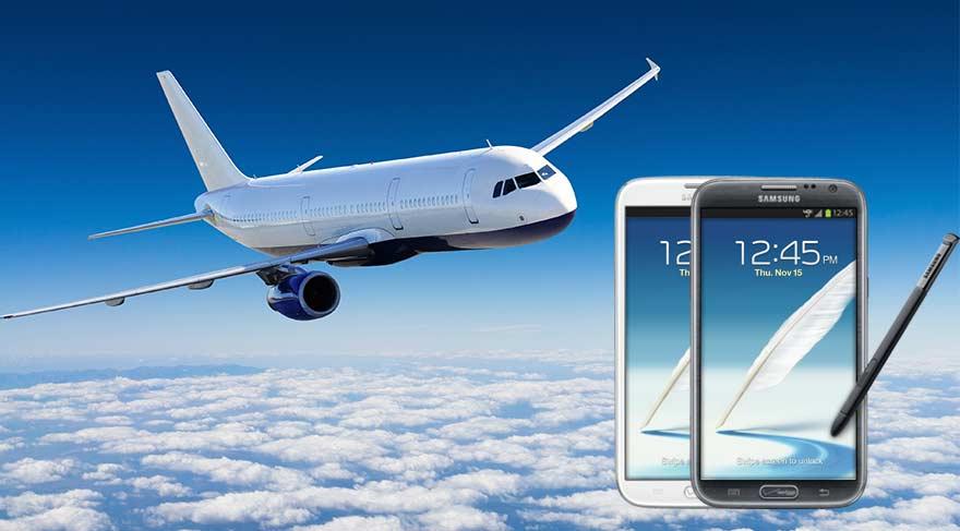 Samsung Galaxy Note 2 uçakta alev aldı