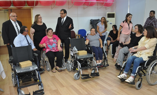 Avustralya Kıbrıs Türk Gönüllüler Platformu-Sıdney Tekerlekli Sandalye bağışında bulundu