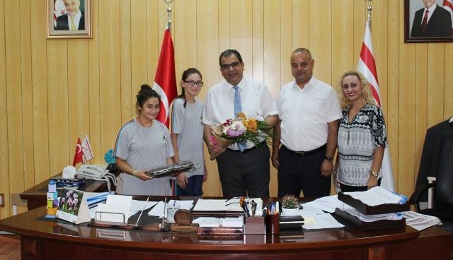 Sağlık Bakanı Sucuoğlu, Özel Eğitim Vakfı Başkanı Görsay'ı kabul etti