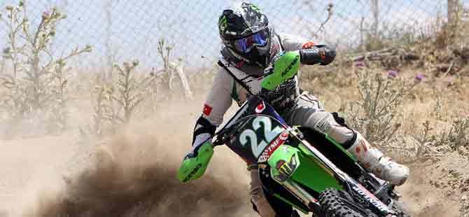 Motosiklet Kurumu 'moto tırmanma' yarışı düzenliyor.