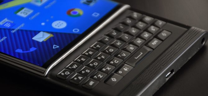 Blackberry telefon üretmeyecek!