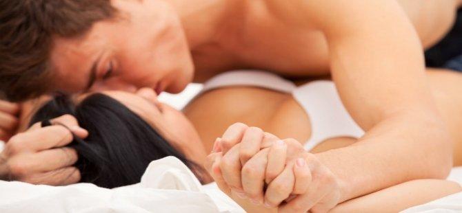 Dünya genelindeki erkekler ilk cinsel deneyimlerini kaç yaşında yaşıyor?