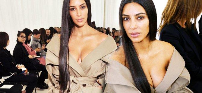 Kim Kardashian Balenciaga defile görünümü