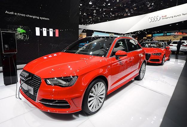 Hibrit otomobiller yaygınlaşıyor