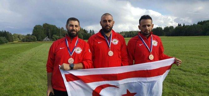 KKTC Hava Sporları Yamaç paraşüt Milli Takımına Yakın Doğu Üniversitesi'nden İki Sporcu Girmeye Hak Kazandı