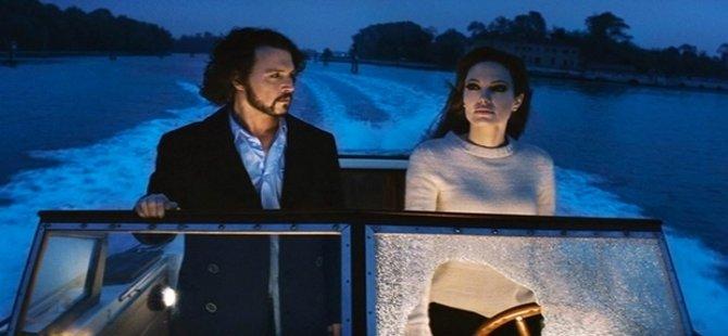 Angelina Jolie ile Johnny Depp aşk mı yaşıyor?