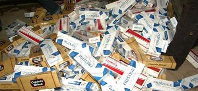 Aracında yapılan aramada 80 paket sigara bulundu!