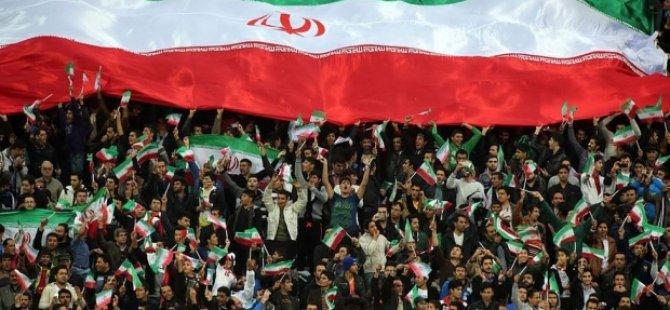 İran'da taraftarlara çağrı: Dini slogan atın!
