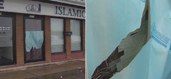 Kanada'da camiye İslamofobik saldırı