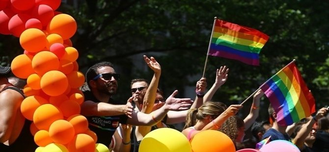 Avustralya'da eşcinsel evlilik referandumu tartışması