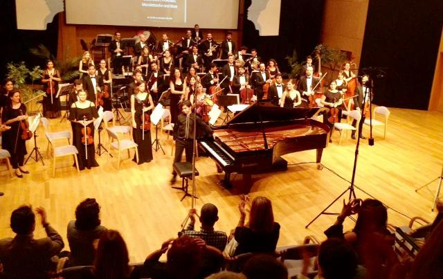 Yakın Doğu Üniversitesi Enka Oda Müziği Orkestrası'nda Başarıyla Temsil Edildi