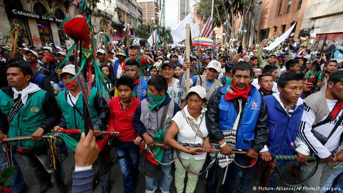 Kolombiyalılar bir kez daha barış için yürüdü