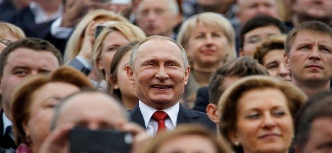Twitter'da bir garip anket: Putin, ABD Başkanı oluyor!