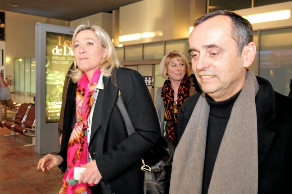 Le Pen zaferini kutluyor