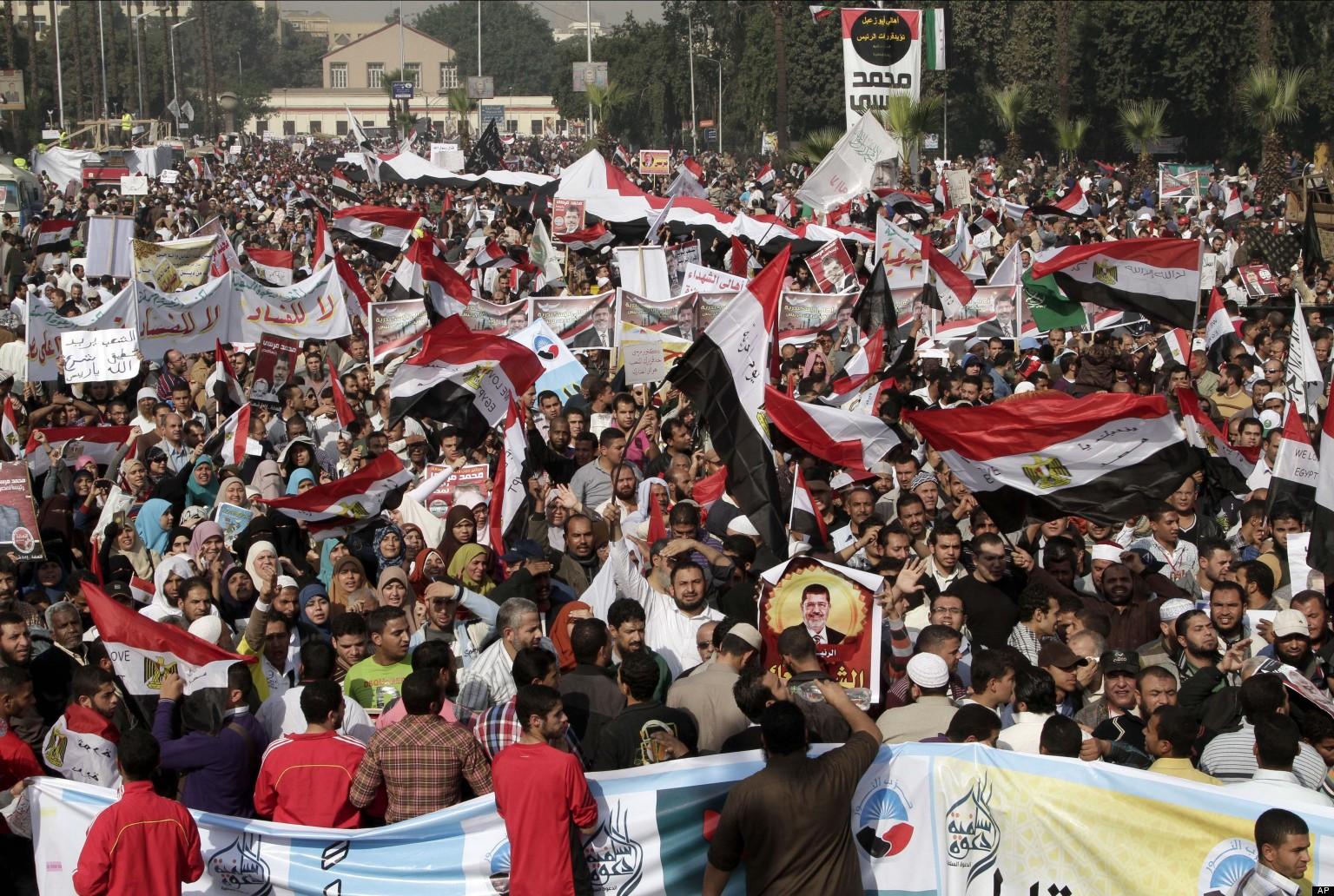 Mısır'da yüzlerce Mursi taraftarına idam cezası