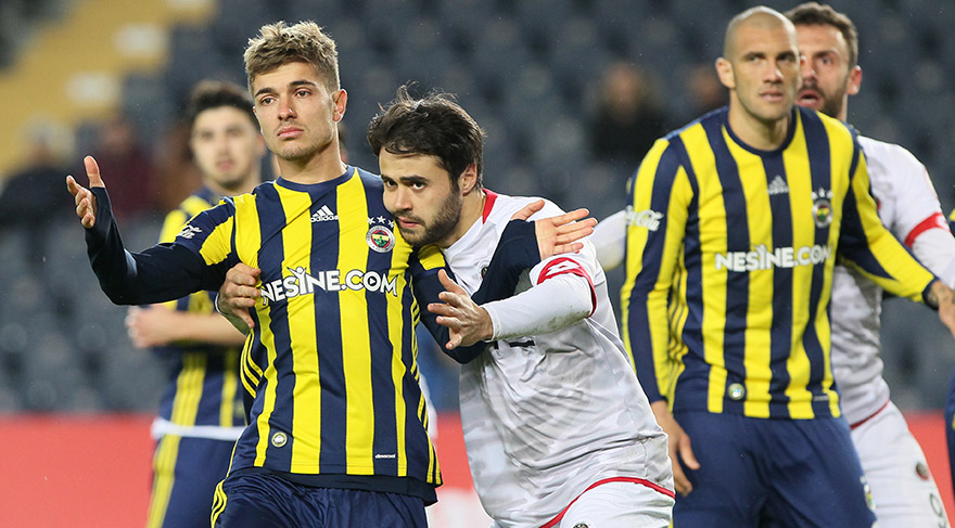 Fenerbahçe'ye eski dost darbesi