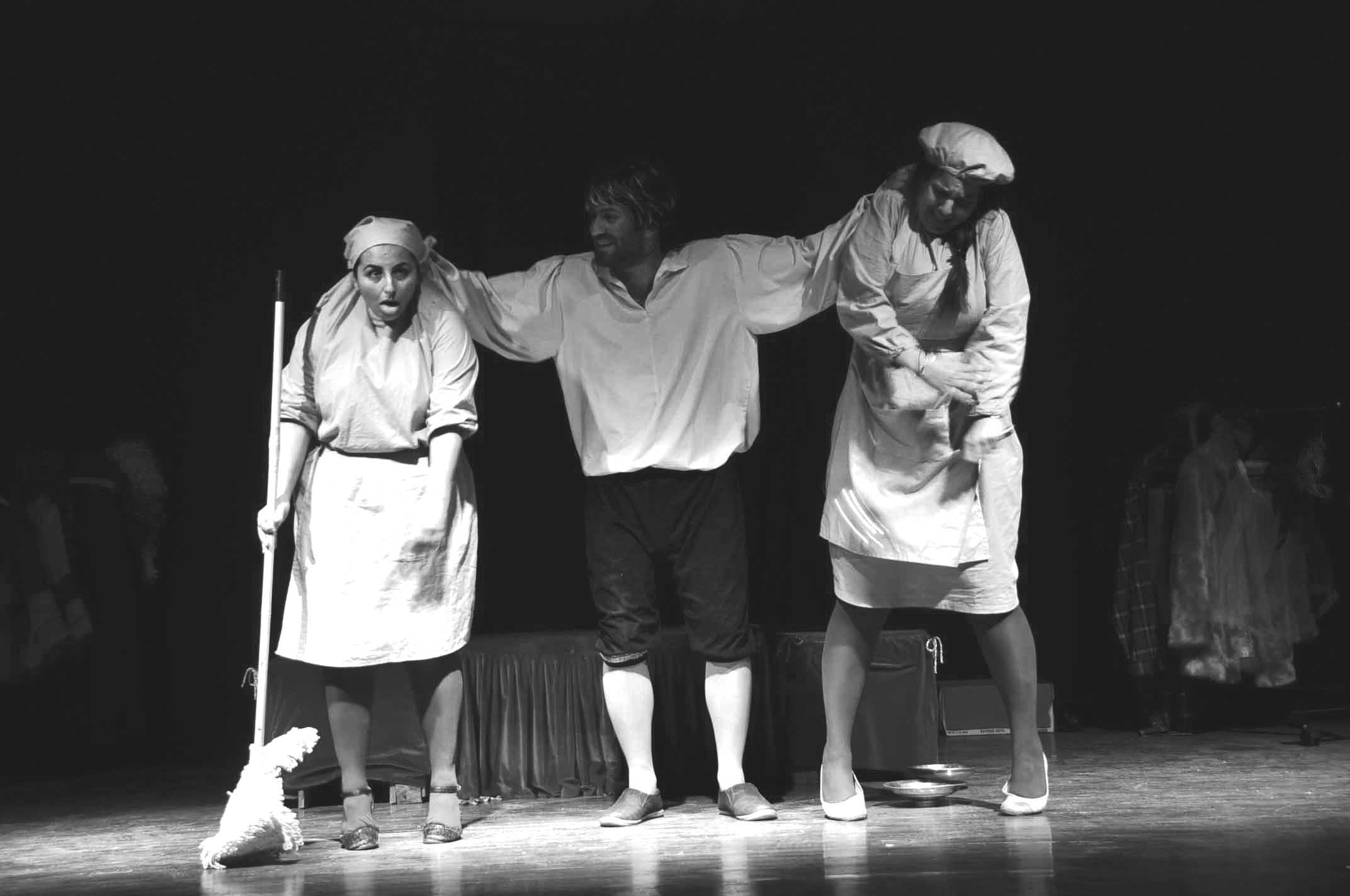 Baraka Tiyatro Ekibi Moliere'den uyarlanan komediyle perdelerini açtı