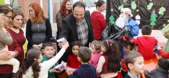 İskele Belediyesi'nden çocuklara yeni yıl hediyesi
