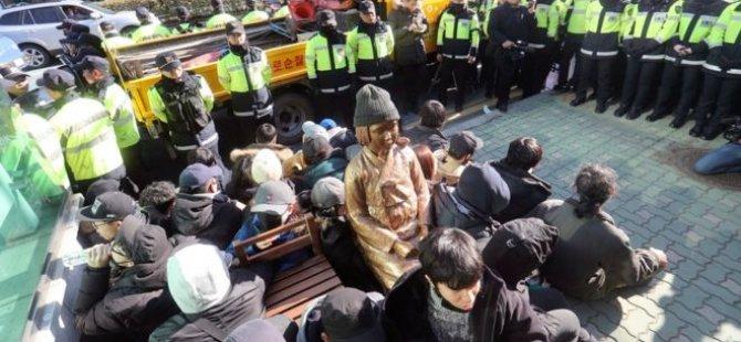 'Seks kölesi' heykeline tepkili Japonya, Güney Kore'deki elçisini çekti