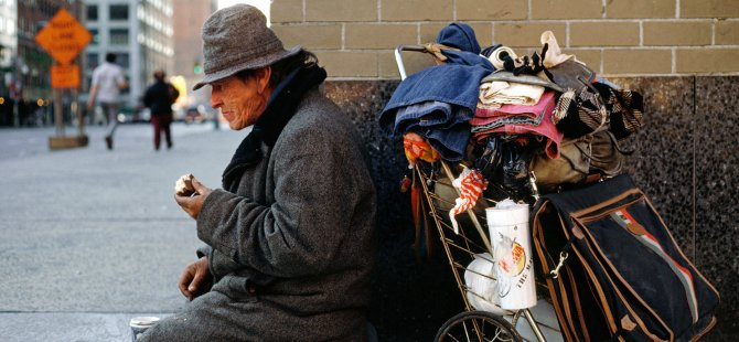 Melbourne'daki evsizler caddelerden uzaklaştırıldı