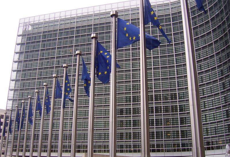 Avrupa Komisyonu Rumlardan AB kurallarına uymalarını istedi