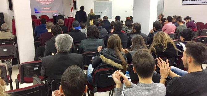 """Doruk Vakfı """"Kıbrıs'ın Dünü Bugünü Yarını"""" konulu konferans düzenledi"""