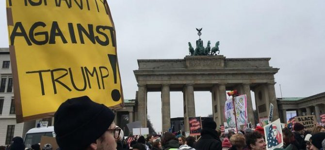 Kadınlardan Trump protestosu