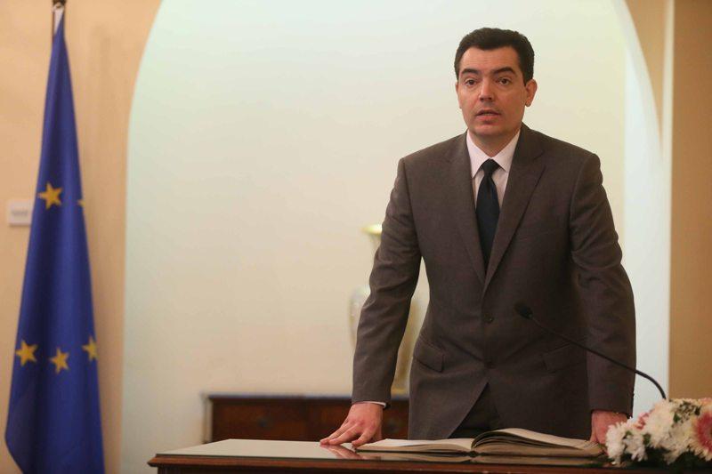 Rum Savunma Bakanına göre Kıbrıs barış ve istikrar unsuru oldu