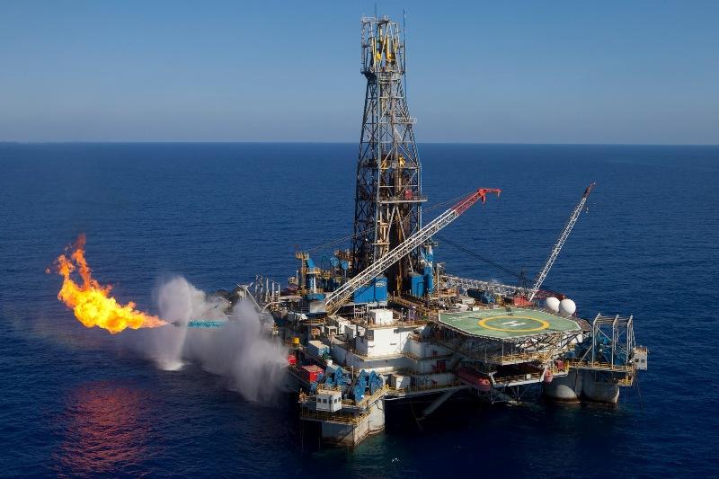 Güney Kıbrıs, Deutsche Bank'la LNG terminali finansmanını görüşüyor