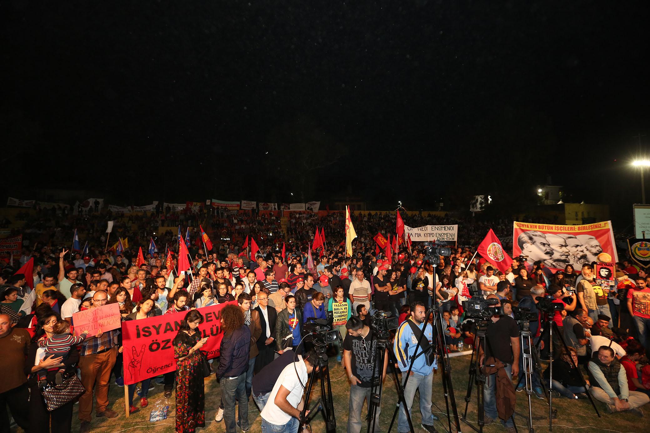 Kıbrıslı İşçiler 1 Mayıs'ta Birleşti