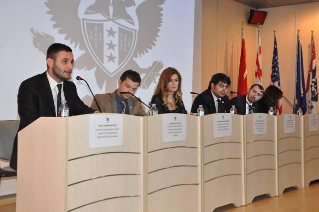 Yeni dönem Kıbrıs müzakereleri GAÜ'de masaya yatırıldı